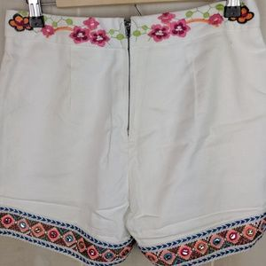 Boston Proper Shorts - NWOT Boston Proper Embroidered Floral Shorts